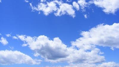 ધોળા ધોળા ધુમ્મસ જેવા વાદળ