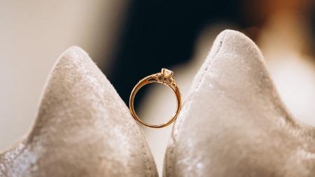 Akbar's ring