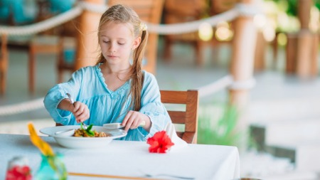 Helping child to chew food properly
