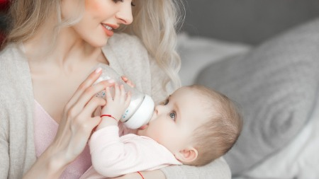 Milk for babies - Mother's milk, Formula milk or Animal milk