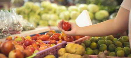 The Smart Fruit Vendor