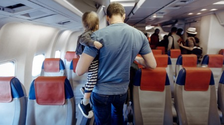 Travelling with a child in an airplane